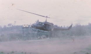 US DUSTOFF landing at Eagle Farm to meet the company