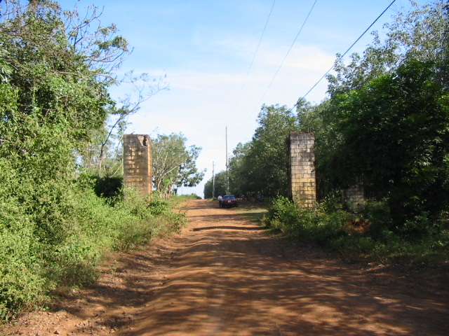 2005 - front gate Nui Dat base [photo courtey Ross Milne W2]